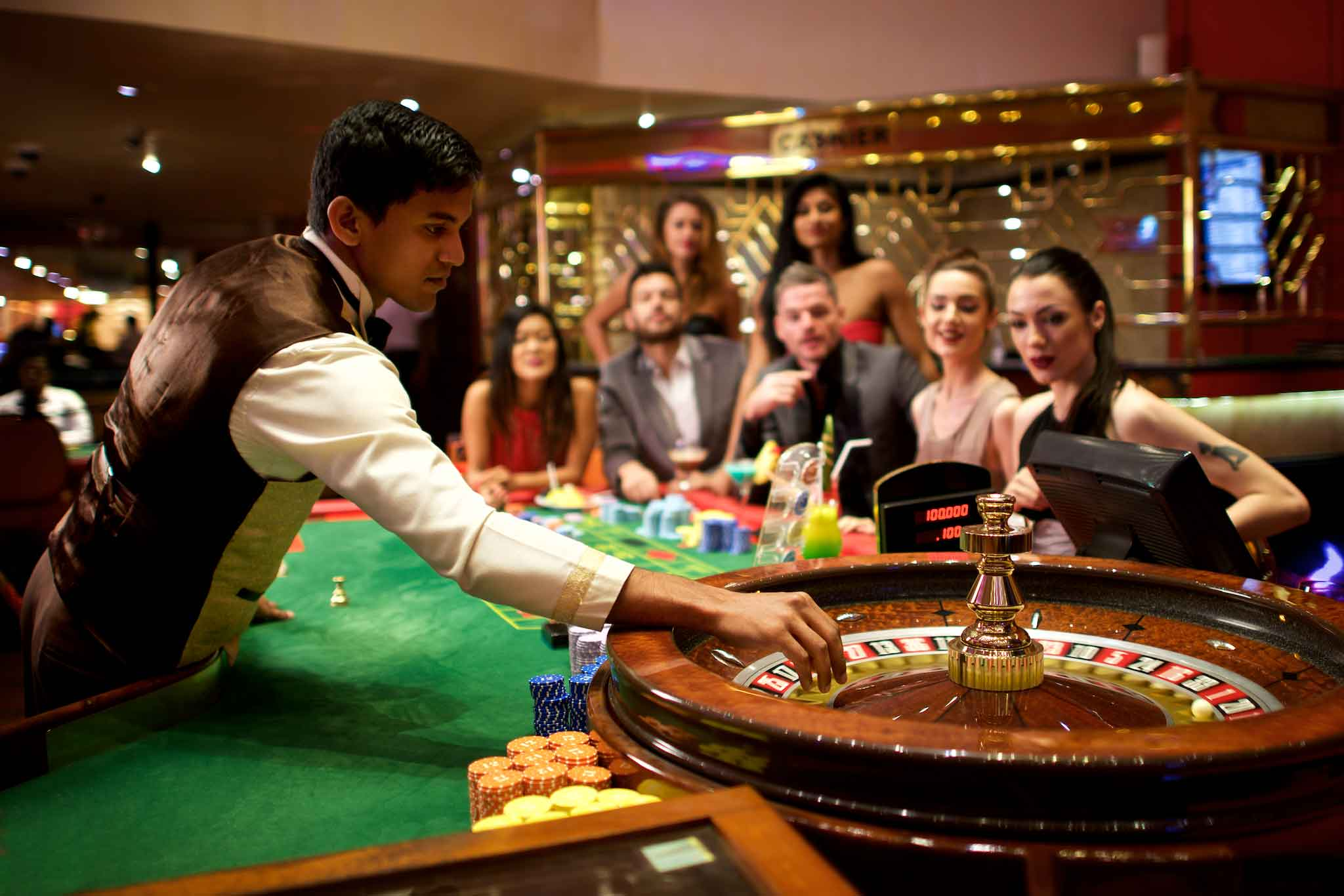What are the facilities you can get at online casinos?